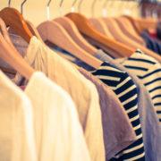 婦人服卸 O社長より売掛金1,100万買取り致しました。